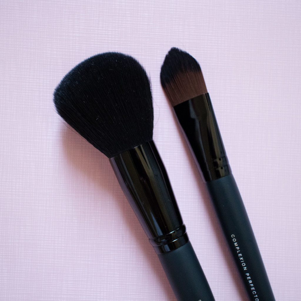 The Beauty Vanity | bareMinerals Complexion Perfector Supreme Finisher Brush Review