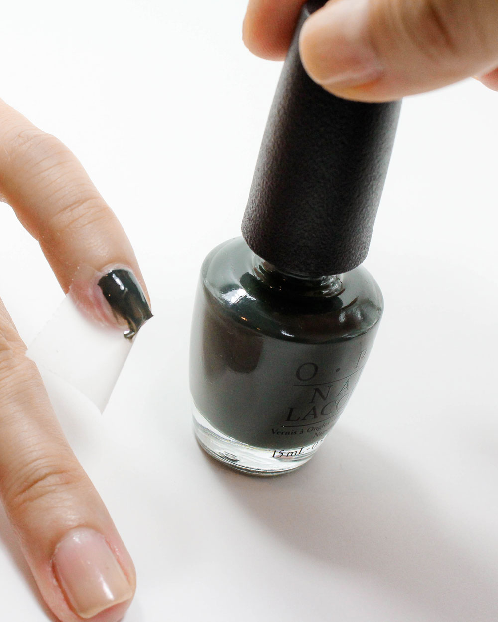 FALL NYFW NEGATIVE SPACE NAIL TUTORIAL | The Beauty Lesson | The Beauty Vanity