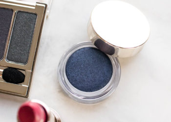 Clarins 4-Colour Ombre Matte Eyeshadow Midnight Review Swatches | The Beauty Review | The Beauty Vanity