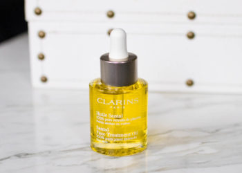 Clarins Santal Face Treatment Oil Review | The Beauty Review | The Beauty Vanity