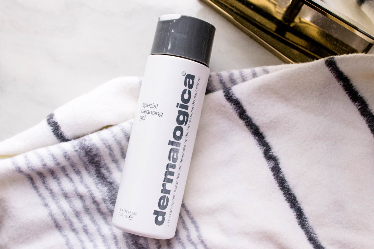 How to Remove Halloween Makeup | dermalogica special cleansing gel | The Beauty Lesson | The Beauty Vanity