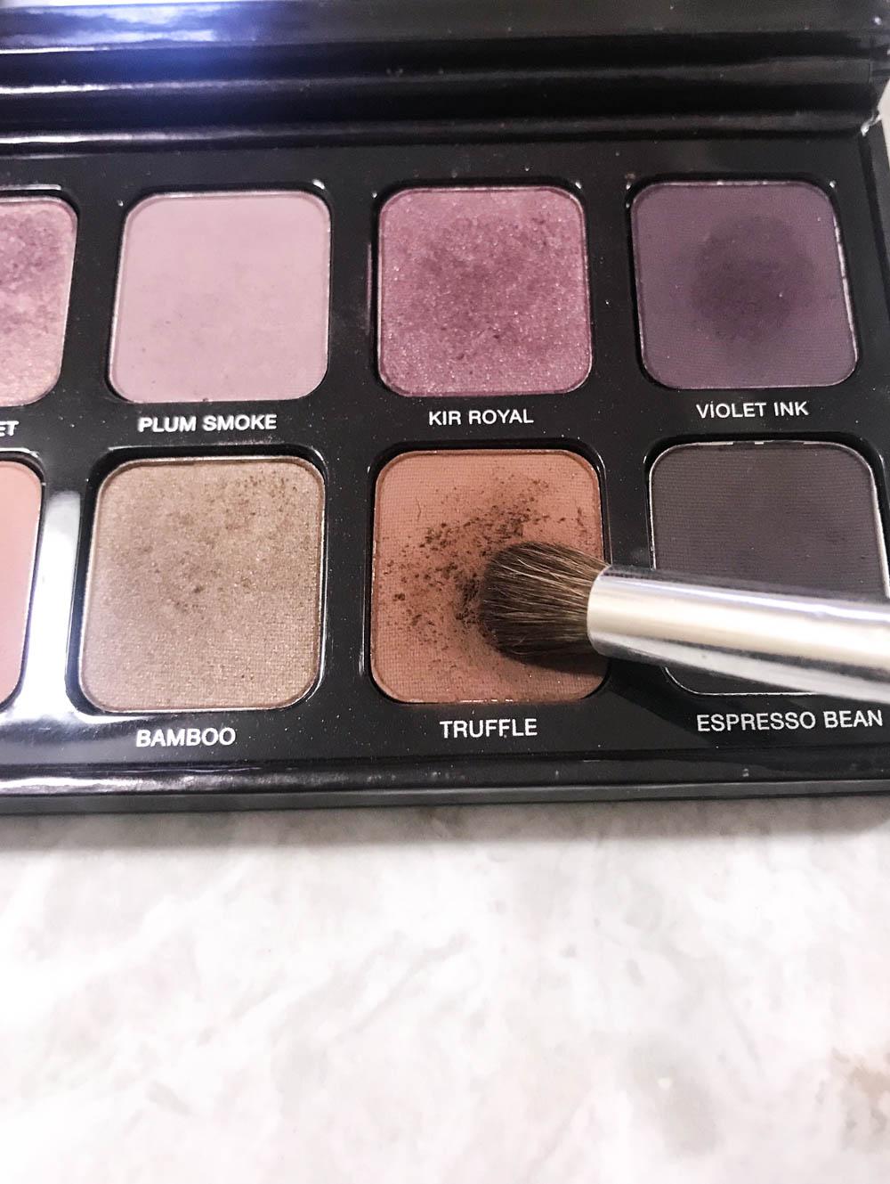 Christmas Makeup Tutorial For Brown Eyes | Laura Mercier Eye Art Artist's Palette Makeup Look | The Beauty Mirror | The Beauty Vanity