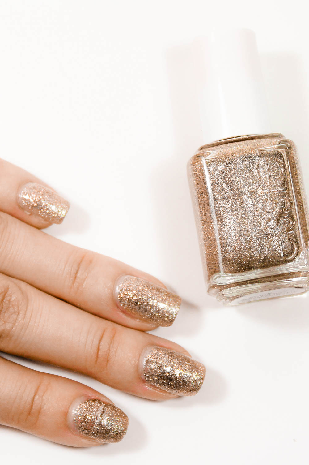 Gold Glitter Nail Polish Manicure | Awards Season Inspired Gold ...