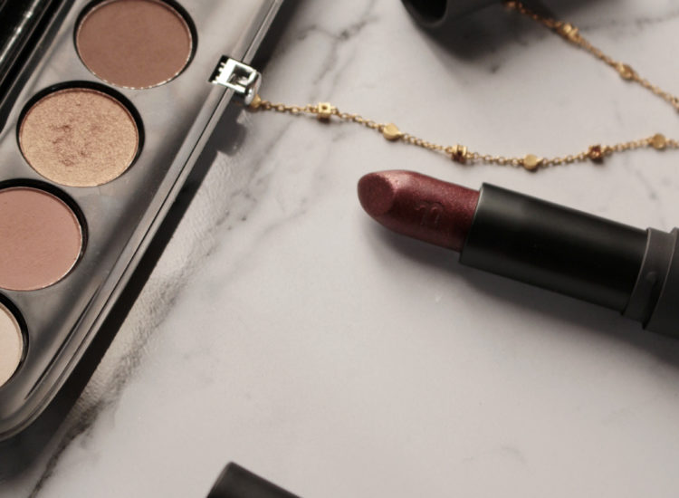 Lazy Girl Night Out Winter Makeup Look | Bite Beauty Amuse Bouche Spiced Plum | Marc Jacobs Eyeconic Eyeshadow Palette Glambition | The Beauty Mirror | Beauty Vanity